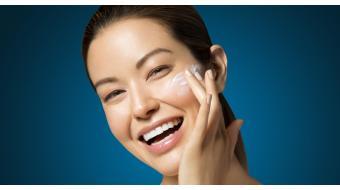 DIT is de juiste volgorde om je huidverzorging aan te brengen