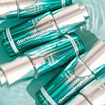 Ga voor instant versteviging. ✨ Phyto-Nature Firming Serum gaat voortijdige huidveroudering tegen als gevolg van levensstijl en omgevingsfactoren. In tweefasen wordt de huid gelift en verstevigd.   Bestel nu een Phyto-Nature Friming Serum en krijg een Super Rich Repair miniatuur cadeau! 😍 Een volle moisturizer die de huid herstelt en verstevigd.   In combinatie met de Phyto-Nature Firming Serum een gouden combinatie! 💫  #dermalogica_benelux #phytonaturefirmingserum #superrichrepair