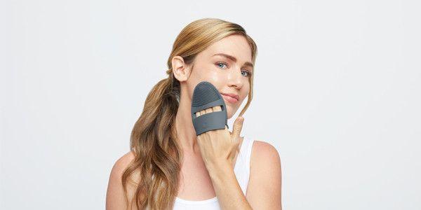 Waarom je gezicht dubbel reinigen zo belangrijk is